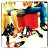 Freundinnen gehen gerne gemeinsam in den Shopping-Rausch - Männer bevorzugen die Stille des online Shoppings!
