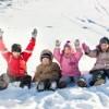 kinder-feiern-im-schnee